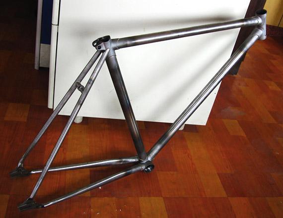 Стальная рама для fixed gear, трекового велосипеда.