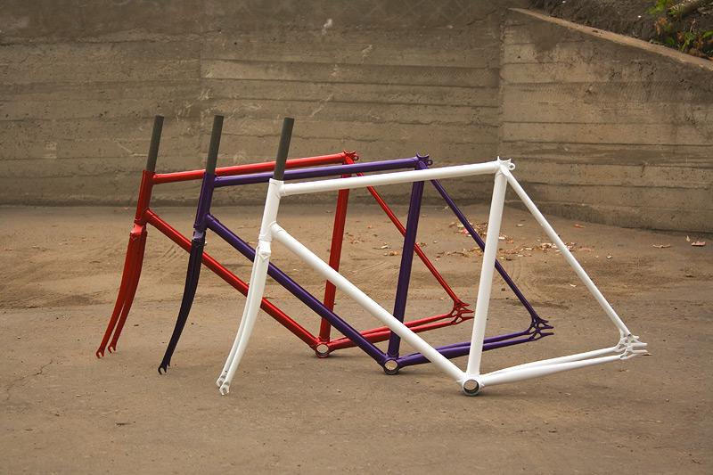Стальные, хромолибденовые рамы для трекового, fixed gear велосипеда, которые можно купить в магазине «Fixie»