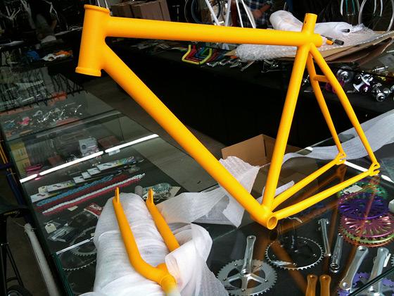 ESB — лучшая стальная трюковая fixed gear рама из Лондона. Продается в магазине 14 Bike Co.