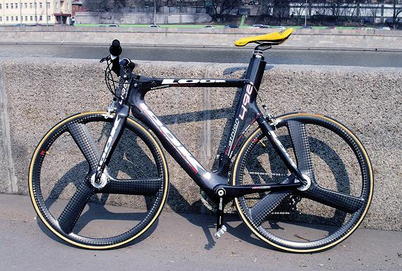 Разделочный (time trial, TT) велосипед Look с карбоновыми колесами Corima.