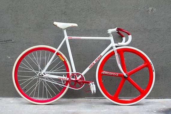 Fixed gear велосипед собранный в магазине