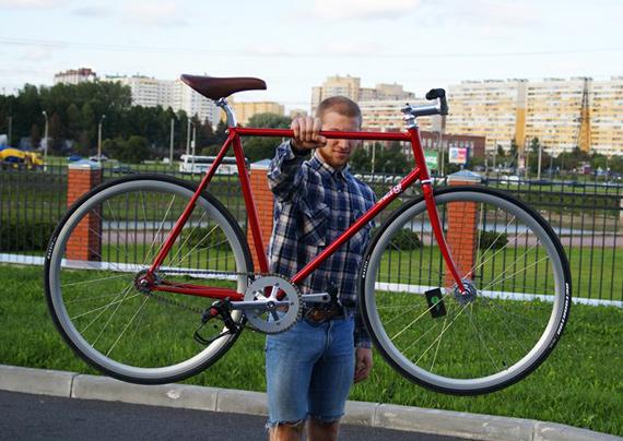 Fixed gear велосипед на деталях «Konstruktor». Петербург.