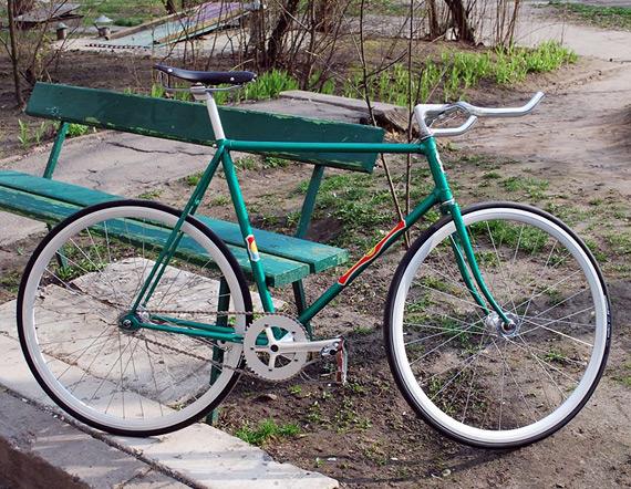 Fixed gear велосипед на базе рамы ХВЗ «Рекорд», ободов, втулок, системы и прочих компонентов «Konstruktor» из магазина FIXIE.RU