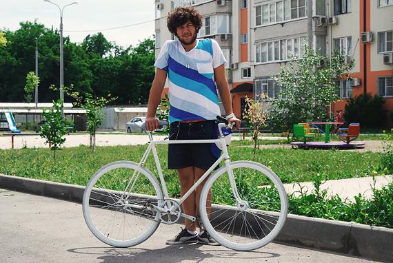 Fixed gear велосипед, собранный на базе трековой рамы ХВЗ «Спецзаказ» и компонентах Konstruktor из нашего магазина